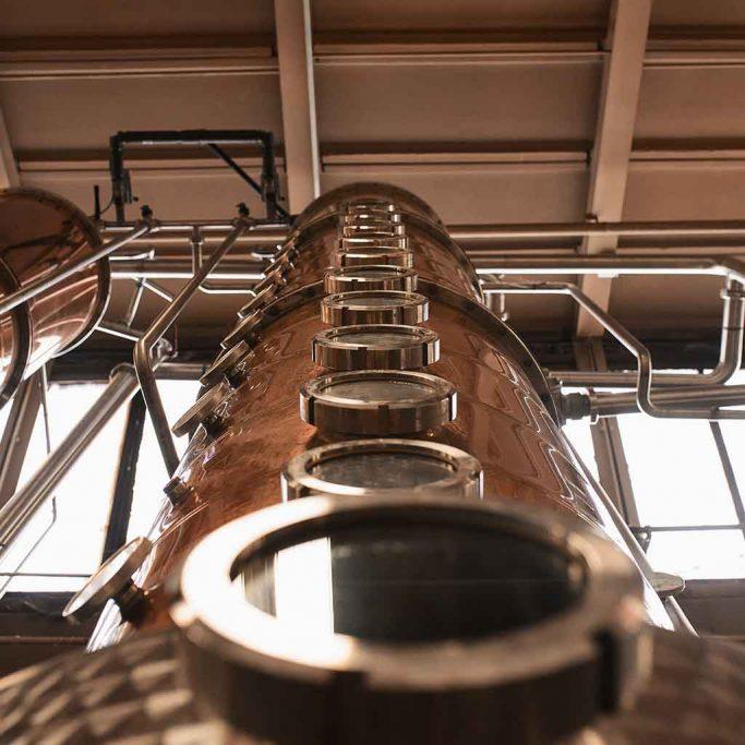 Interiør fra whisky-destilleri